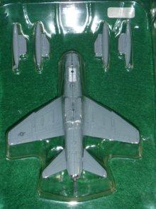 他の写真2: アルジャーノ(カフェレオ) 1/144戦闘機 JWings Jウイング 世界の主力戦闘機 024.A-7E コルセア(CORSAIR)2 シークレットSP
