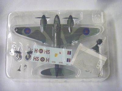 画像2: エフトイズ 1/144戦闘機 双発機コレクション  03 SP MosquitoモスキートB.Mk IV 第109スコードロン シークレット