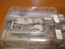 他の写真1: タカラトミー 1/144  ワールドタンクミュージアム02 ティーガーII重戦車(ヘンシェル砲塔)(冬季) 箱無し